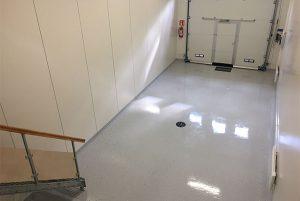Lattiapinnoitus yrityksen toimitiloihin • varastotilat | Team Suikki - Turku